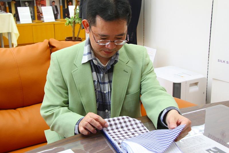 四人目は埼玉県さいたま市からご来店のごく普通の40才の会社員・河本知浩様でございます